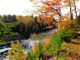 Taquamenon Falls2